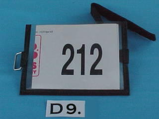 arm band number holder