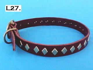 "1"" wide diamond spotted leather dog collar"